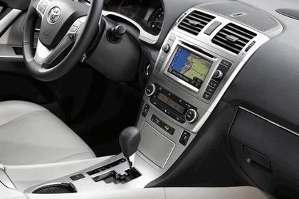 2011 Toyota Avensis SW 46