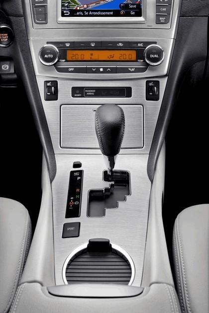2011 Toyota Avensis SW 48