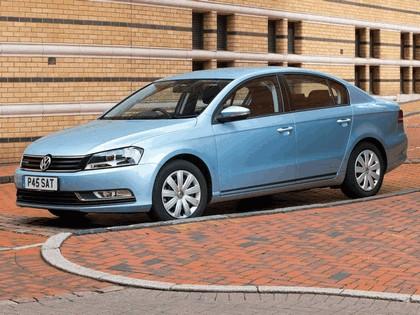 2010 Volkswagen Passat BlueMotion - UK version 4