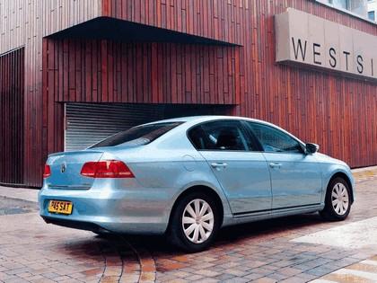 2010 Volkswagen Passat BlueMotion - UK version 10