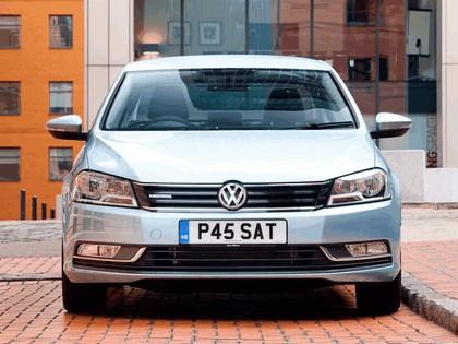2010 Volkswagen Passat BlueMotion - UK version 12