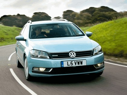 2010 Volkswagen Passat BlueMotion variant - UK version 1