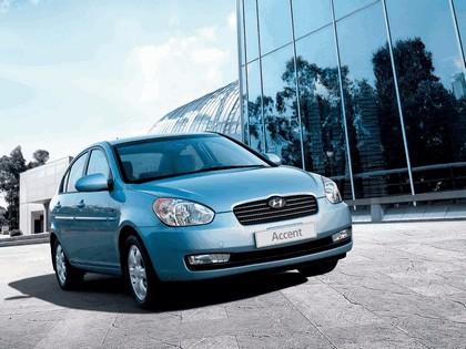 2006 Hyundai Accent 4