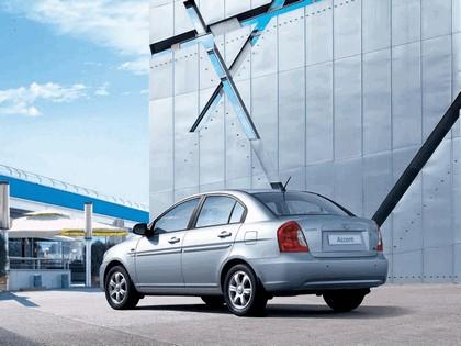 2006 Hyundai Accent 8