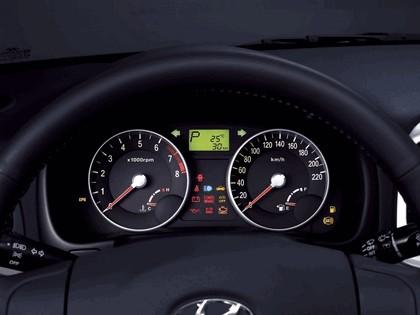 2006 Hyundai Accent 18