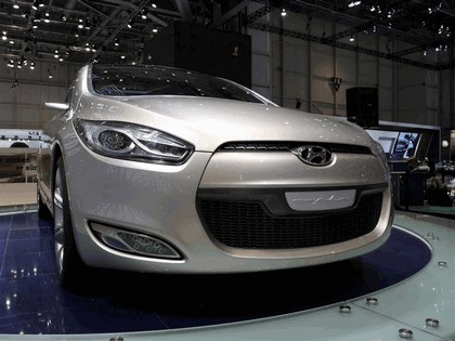 2006 Hyundai HED-2 Genus concept 24
