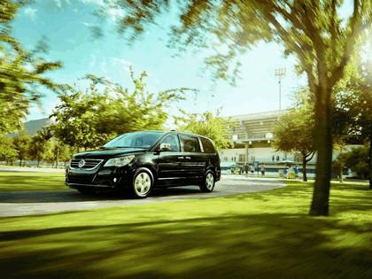 2012 Volkswagen Routan 4
