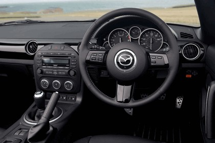 2011 Mazda MX-5 sport black - UK version 24