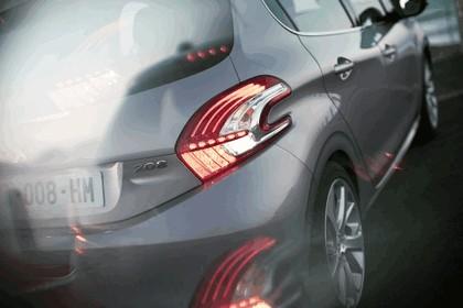 2011 Peugeot 208 5-door 14