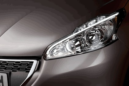 2011 Peugeot 208 5-door 21