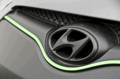 2011 Hyundai Veloster by Ark Performance 28