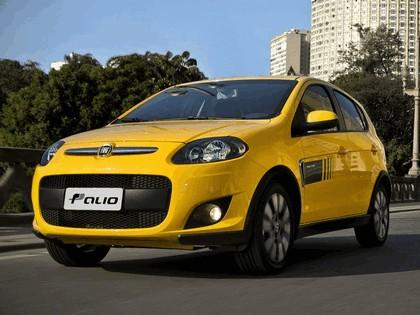 2011 Fiat Palio Sporting 21