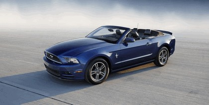 2013 Ford Mustang convertible 2