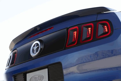 2013 Ford Mustang convertible 5