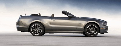 2013 Ford Mustang GT convertible 7