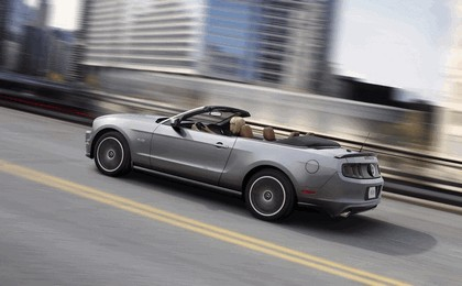 2013 Ford Mustang GT convertible 9