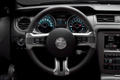 2013 Ford Mustang GT convertible 11