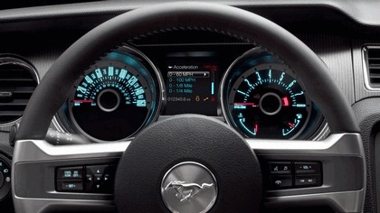 2013 Ford Mustang GT convertible 12
