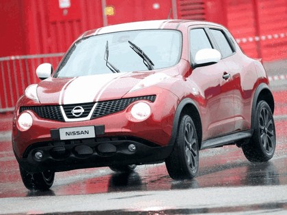 2011 Nissan Juke 190 HP Limited Edition 16