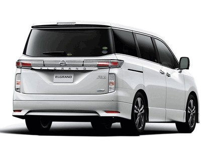 2011 Nissan Elgrand ( E52 ) Highway Star Urban Chrome 2