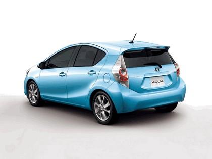 2011 Toyota Aqua 2