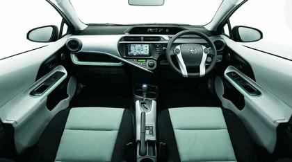 2011 Toyota Aqua 3
