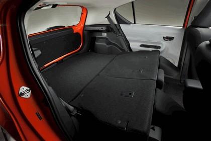 2011 Toyota Prius c 30