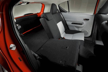 2011 Toyota Prius c 31