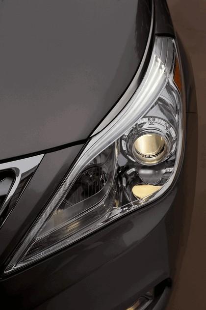 2012 Hyundai Azera 25
