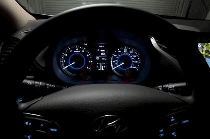 2012 Hyundai Azera 35