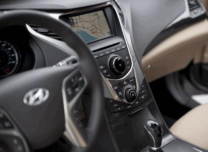2012 Hyundai Azera 38