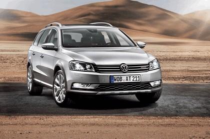 2011 Volkswagen Passat Alltrack 1