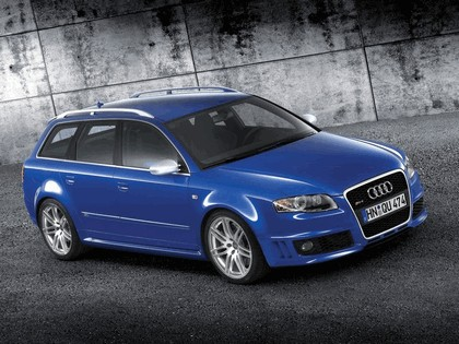2006 Audi RS4 Avant 1