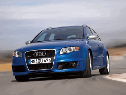 2006 Audi RS4 Avant 3