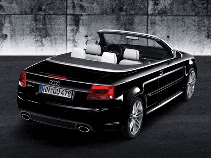 2006 Audi RS4 cabriolet 2