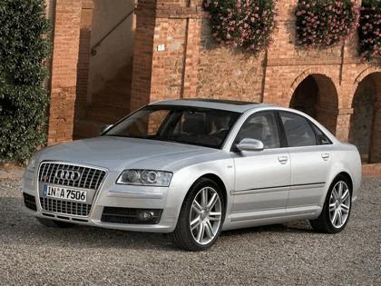 2006 Audi S8 1