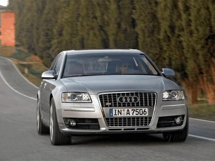2006 Audi S8 3