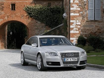 2006 Audi S8 5