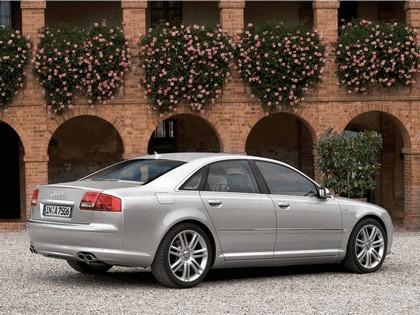 2006 Audi S8 9