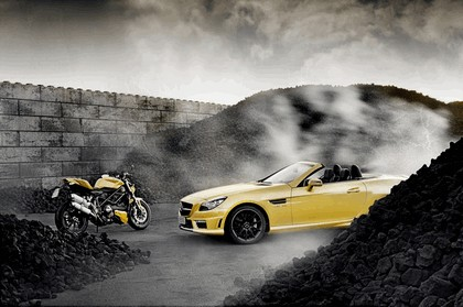 2011 Mercedes-Benz SLK 55 AMG ( with Ducati Streetfighter 848 ) 1