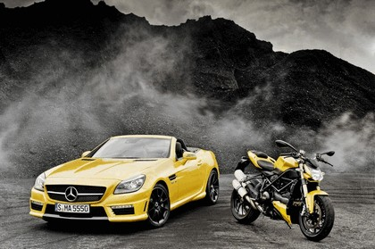 2011 Mercedes-Benz SLK 55 AMG ( with Ducati Streetfighter 848 ) 5
