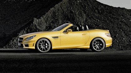 2011 Mercedes-Benz SLK 55 AMG ( with Ducati Streetfighter 848 ) 8