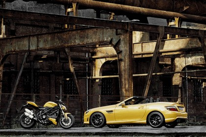 2011 Mercedes-Benz SLK 55 AMG ( with Ducati Streetfighter 848 ) 9