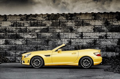 2011 Mercedes-Benz SLK 55 AMG ( with Ducati Streetfighter 848 ) 11