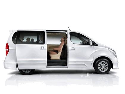 2011 Hyundai Grand Starex Royale 2