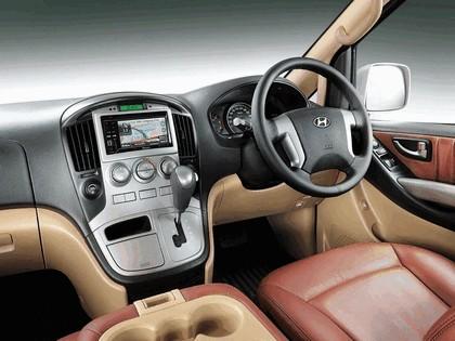 2011 Hyundai Grand Starex Royale 4