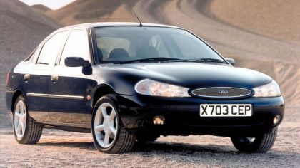 1996 Ford Mondeo hatchback - UK version 6