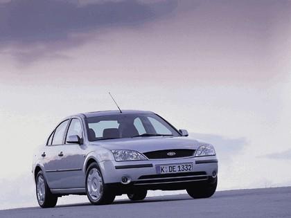 2000 Ford Mondeo sedan 1