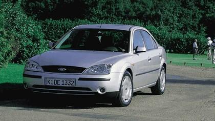 2000 Ford Mondeo sedan 16