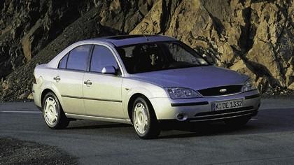 2000 Ford Mondeo sedan 20